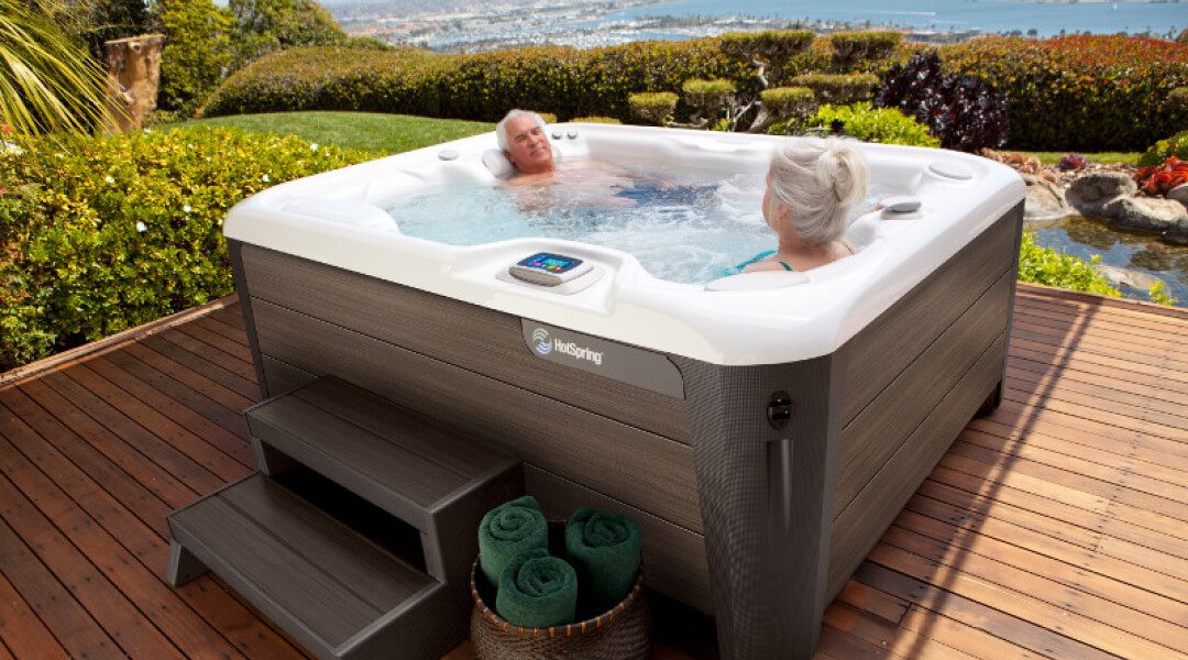 Hot Tub Highlife JETSETTER
