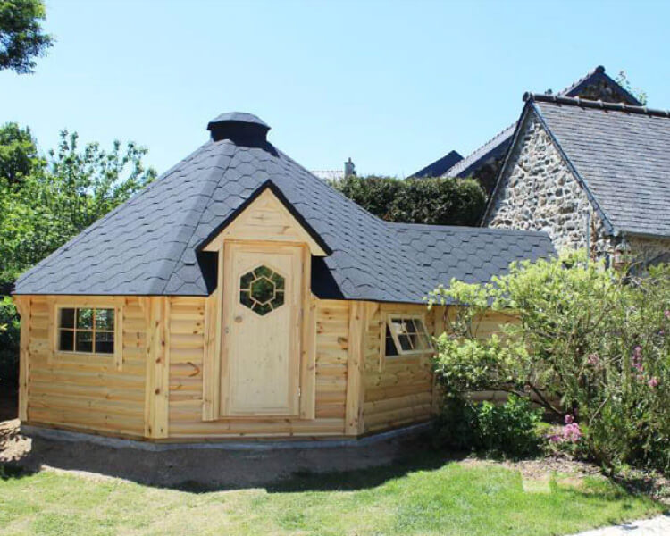 Traditional Style 16.5 sq.m. BBQ Hut with Extension