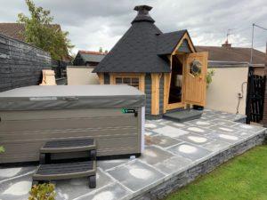 4.5m BBQ Hut and Hot Tub
